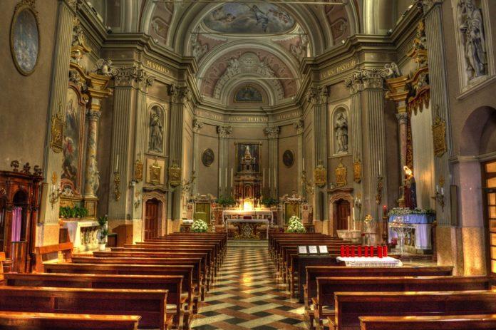 Sacerdote Novara
