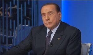 Berlusconi mano nella mano con la deputata Marta Fascina