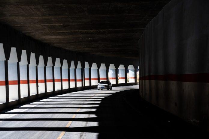Lavagna: auto in fiamme in autostrada