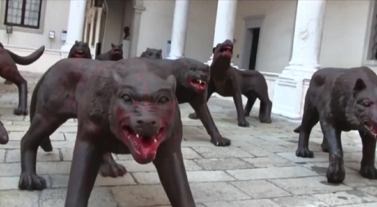 Cento lupi di ferro a Napoli per attrarre turisti a Natale