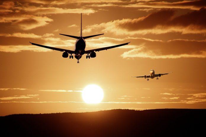 aereo bagaglio a mano Distanziamento Indonesia