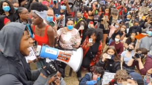 John Boyega in piazza a Londra per George Floyd