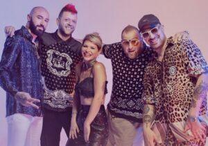 "Boombabash e Alessandra Amoroso: ""Karaoke"" in vetta alle cla"