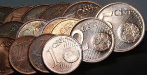 Dal 2021 l'UE potrebbe abolire le monetine da 1 e 2 centesimi