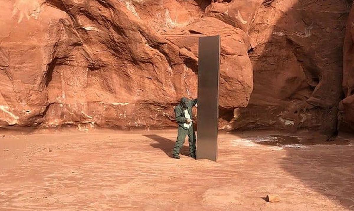 In Utah compare dal nulla un misterioso 'monolite' di ferro