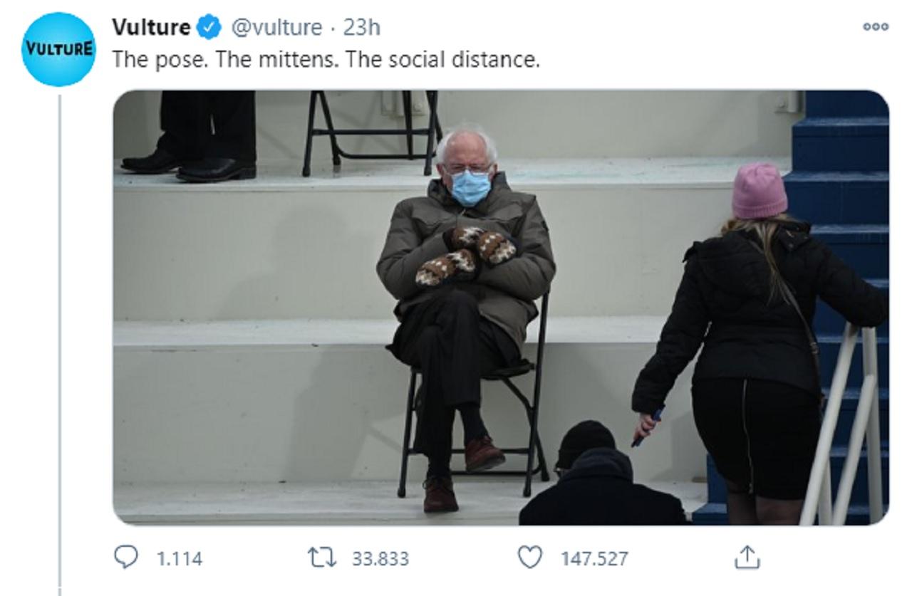 Bernie Sanders fenomeno social, vende magliette col suo meme (per beneficenza)