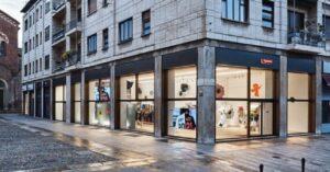 Supreme: il famoso marchio apre un negozio a Milano