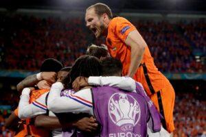 Sheva sfiora l'impresa, Olanda Ucraina finisce 3 2